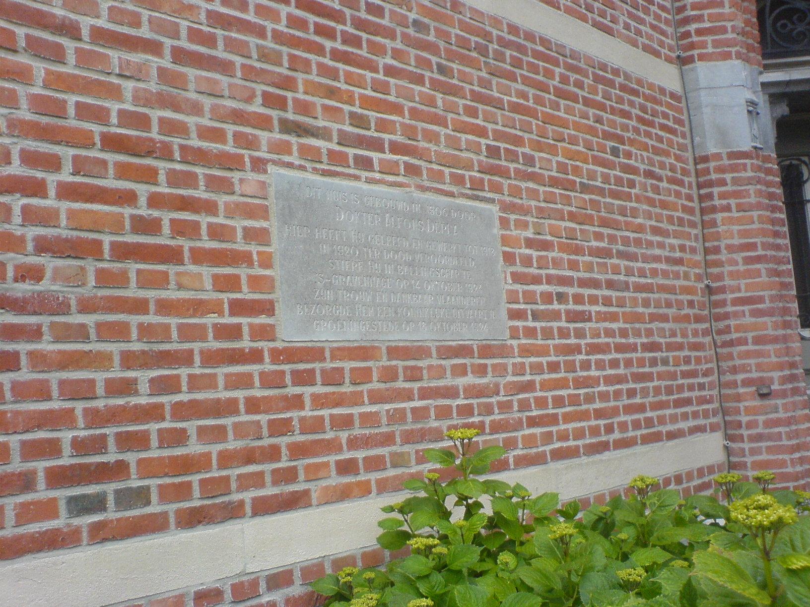 Gedenksteen Dr. Alfons Depla